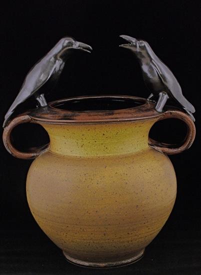 Crow Pot